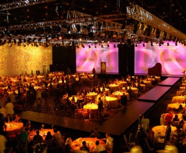 fashion-show-event-with-large-events-corporate-events-fashion-shows-architectural-decoration-9