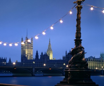 london-embankment-banner-tours